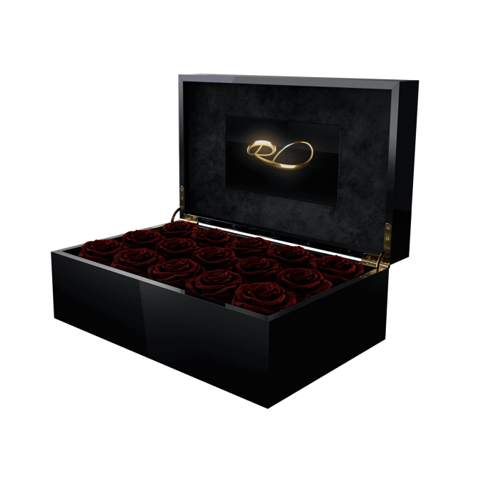 Luxury video flower box Gala with 15 Preserved Wine Roses
